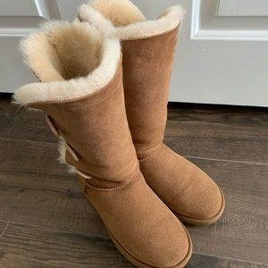 Ugg Bailey button tall boot in chestnut color